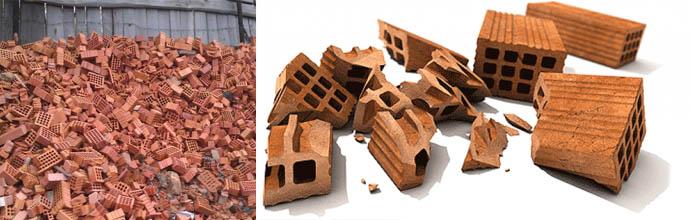 Бой строительных блоков и кирпичей