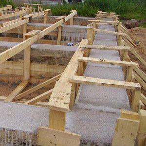 Строим основание для дома из пенобетонных блоков