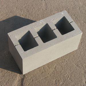 Блоки из бетона размером 400х200х200 мм