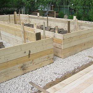 Строительство опалубки из деревянных досок