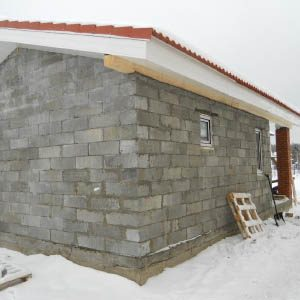 Минусы и плюсы постройки бани из шлакобетонных блоков — проекты и фото