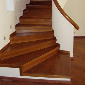 Облицовка лестниц из бетона деревом — фото и видео уроки