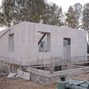 Строительство дома при помощи монолитного пенобетона