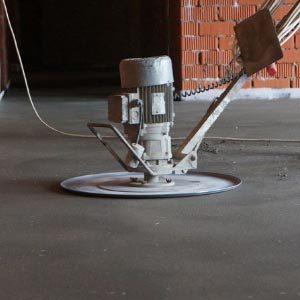 Как проводится шлифовка поверхности бетонного пола?