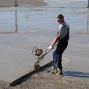 Выбираем вибрирующую рейку для укладки бетонного раствора