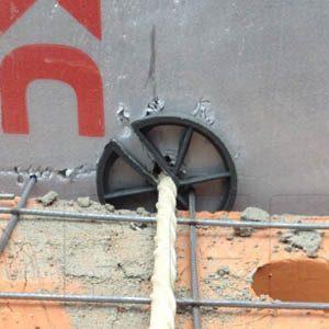 Использование гибких связей при постройке кирпичных стен