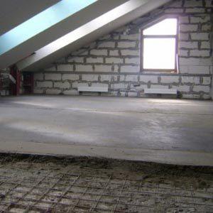 Как сделать пол из бетона по грунту в загородном доме?