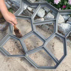 Как сделать садовую бетонную дорожку при помощи опалубки?