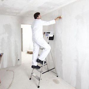 Грунтование стен перед оклейкой обоями
