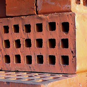 Что такое щелевой строительный кирпич? Свойства и характеристики