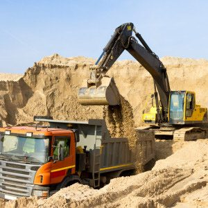Карьерный строительный песок средней крупности и крупный