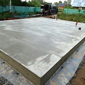 Какой толщины должна быть плита монолитного фундамента?